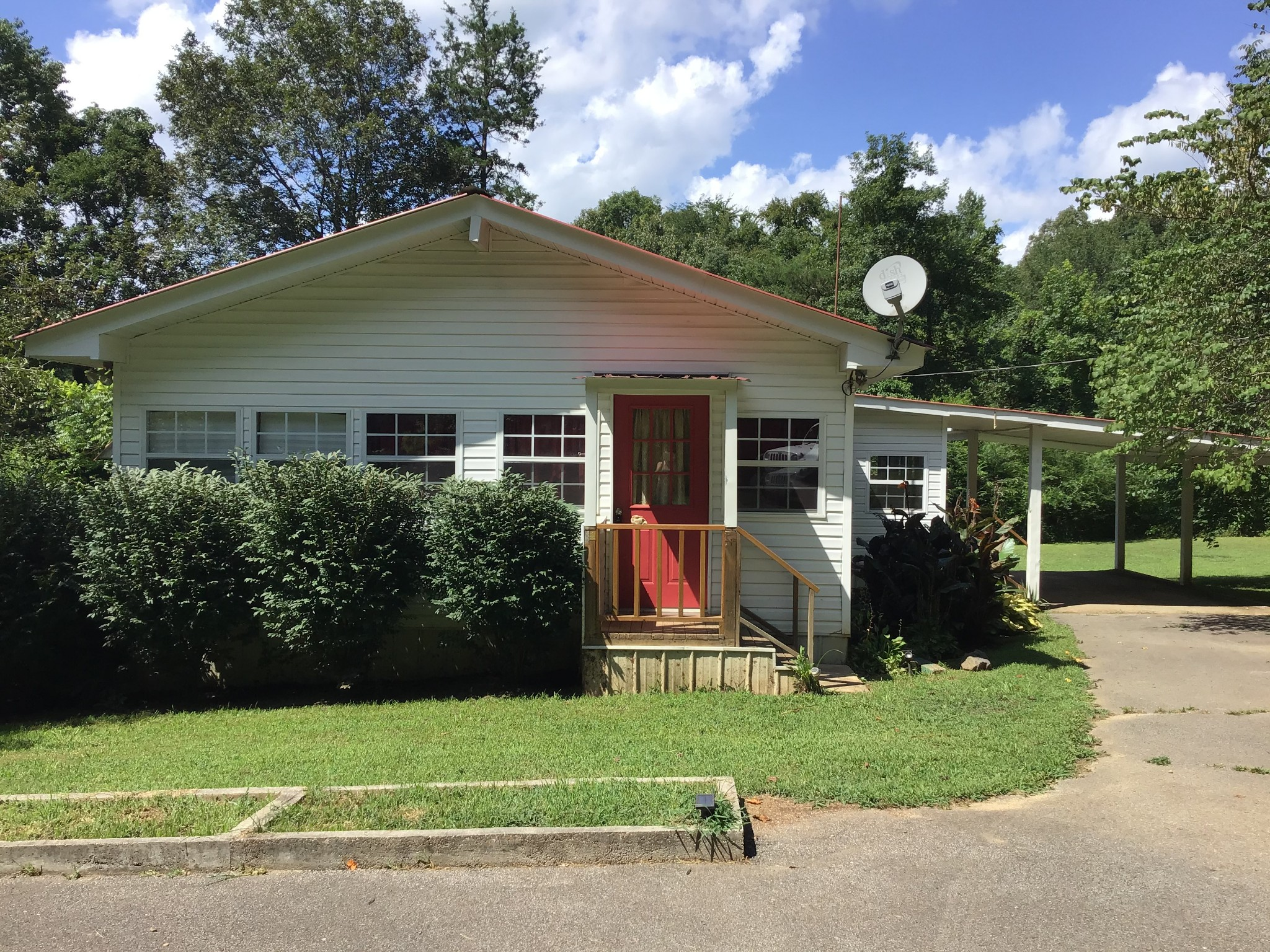 576 Jennings Bluff Rd Property Photo - Linden, TN real estate listing