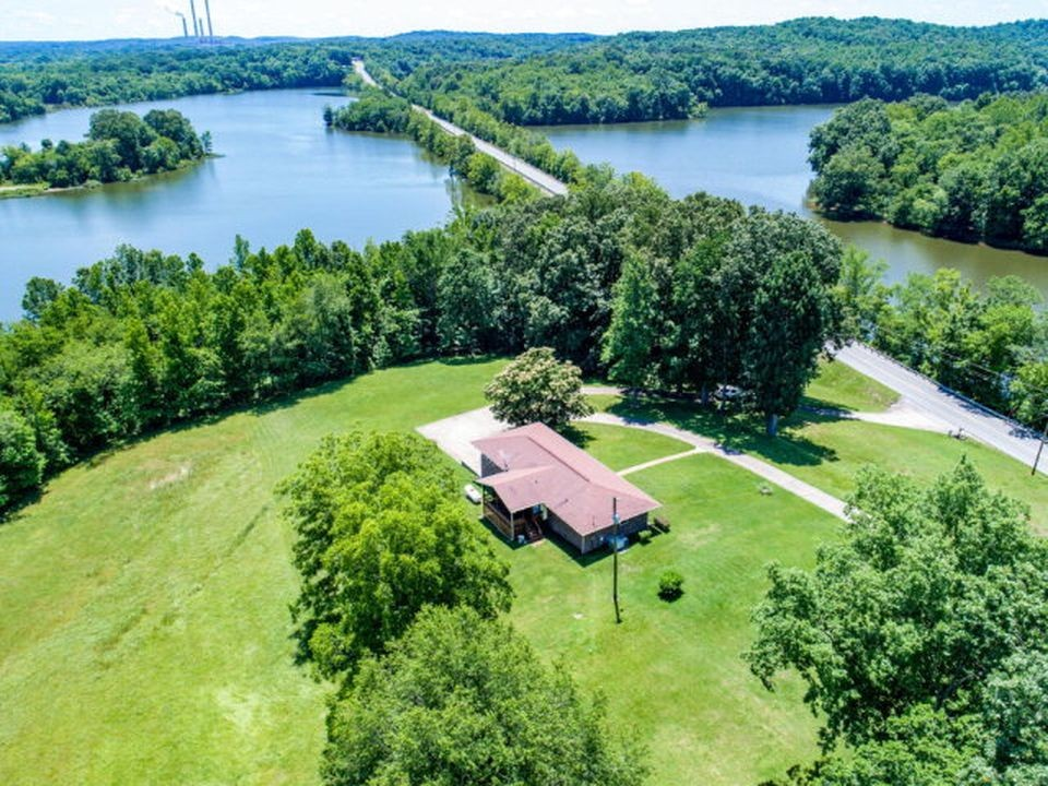 1758 Cumberland City Rd Property Photo - Cumberland City, TN real estate listing