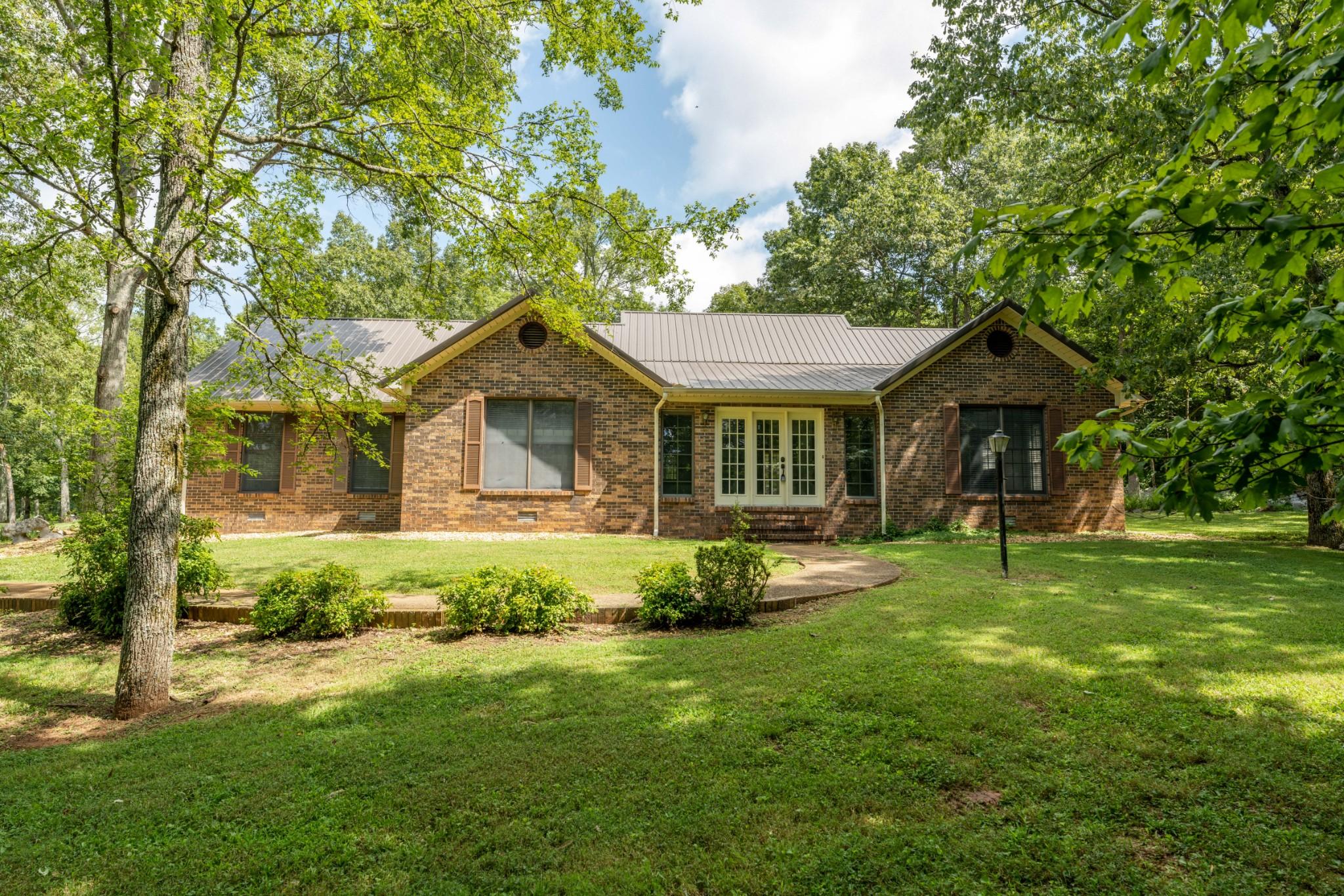 1985 Whites Gap Rd Property Photo - Huntland, TN real estate listing