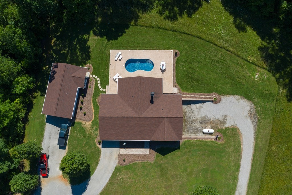 2116 Windle Community Rd Property Photo - Cookeville, TN real estate listing