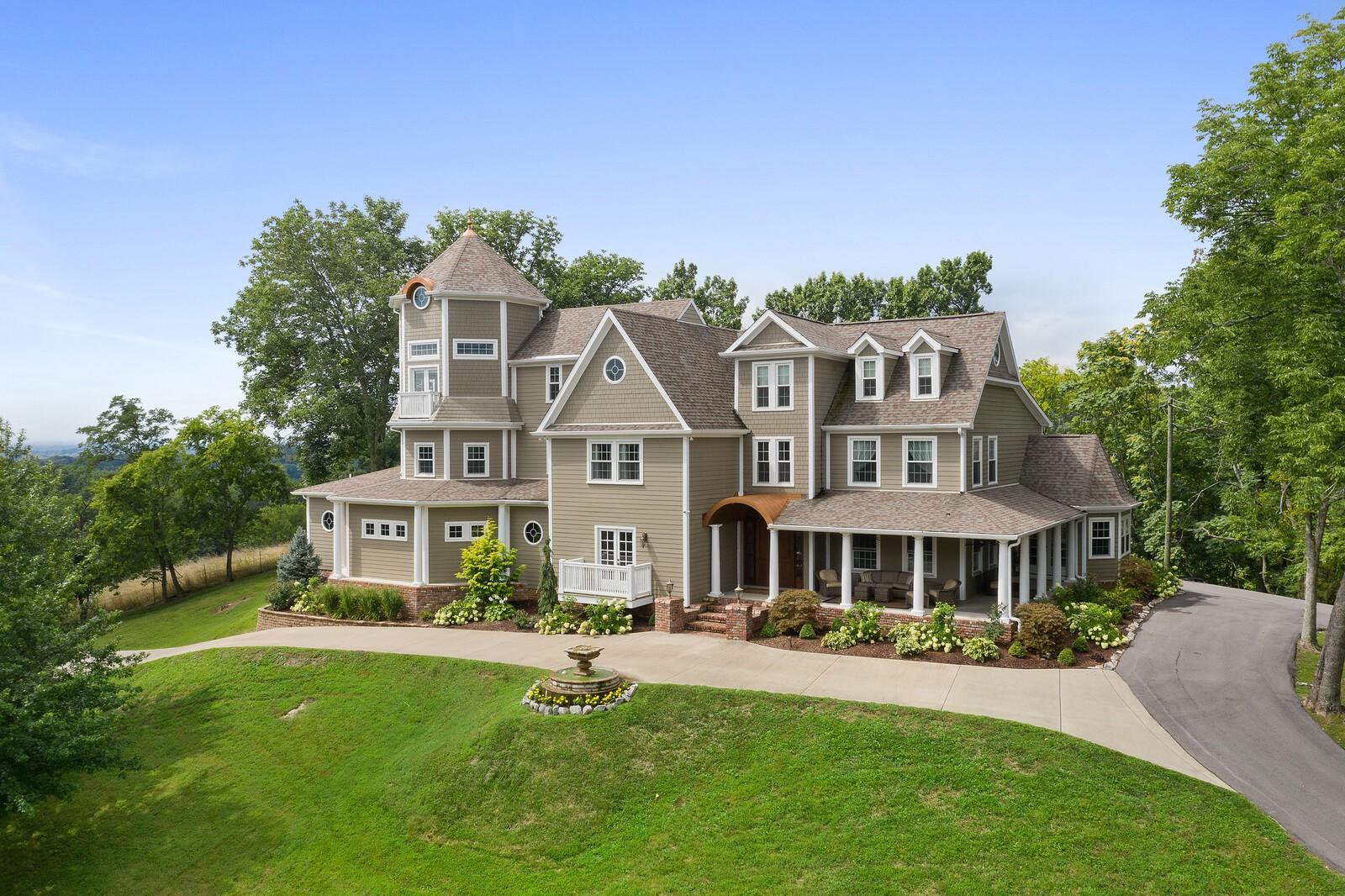 1125 Hitt Ln Property Photo - Goodlettsville, TN real estate listing