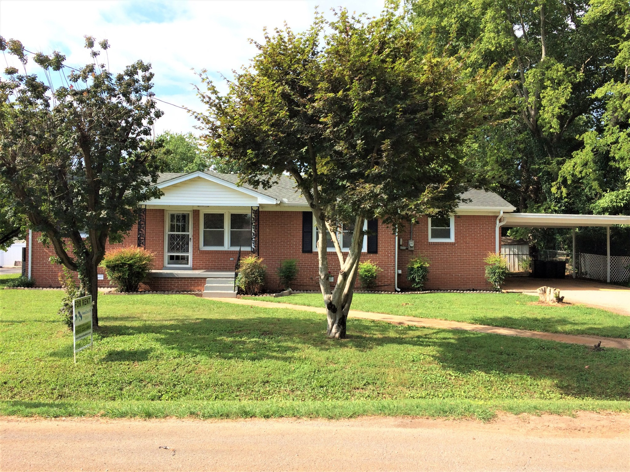900 Henley St Property Photo - Decherd, TN real estate listing
