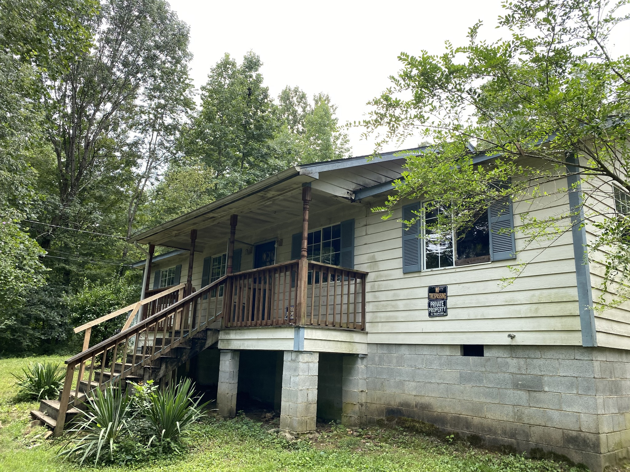 1900 Hurricane Loop Property Photo - Tennessee Ridge, TN real estate listing