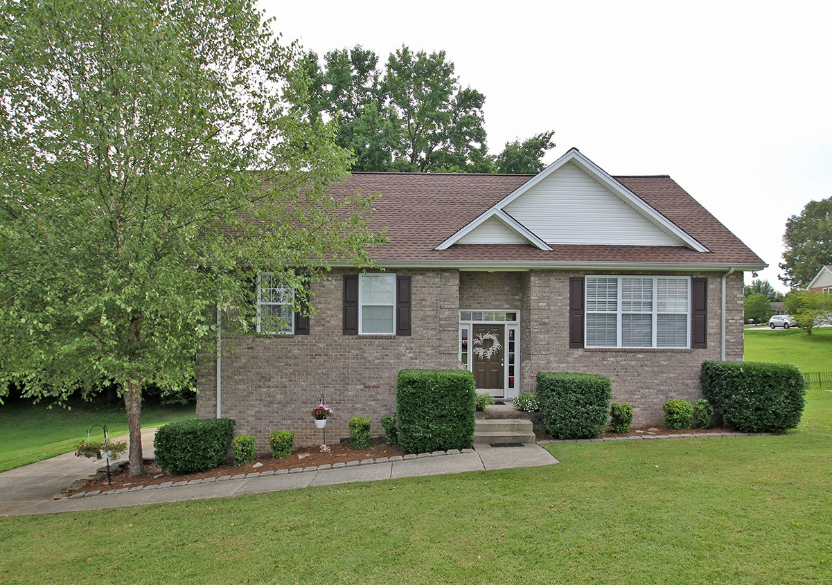 102 N Carson Ct Property Photo - White House, TN real estate listing