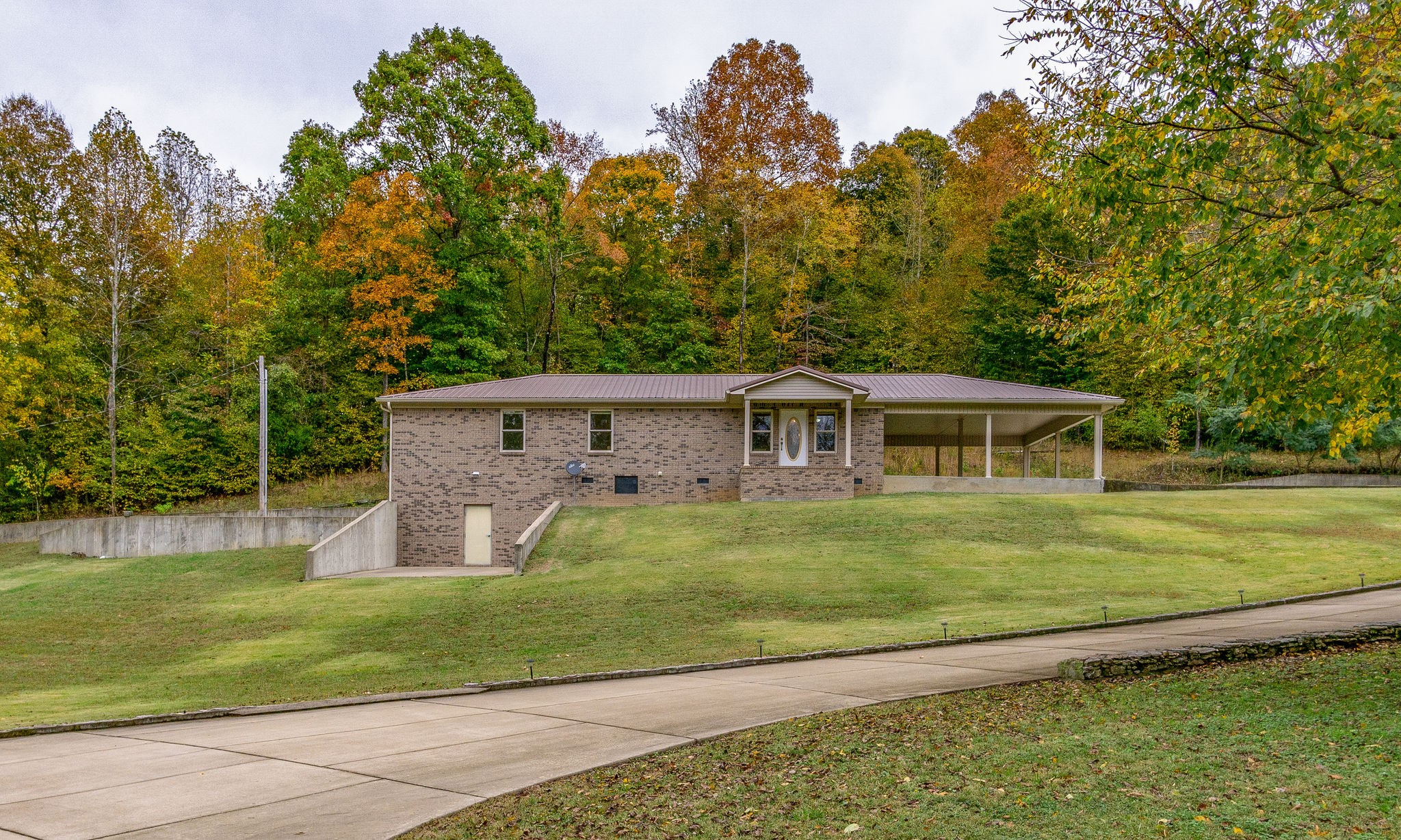 305 River Bluff Rd Property Photo - Linden, TN real estate listing