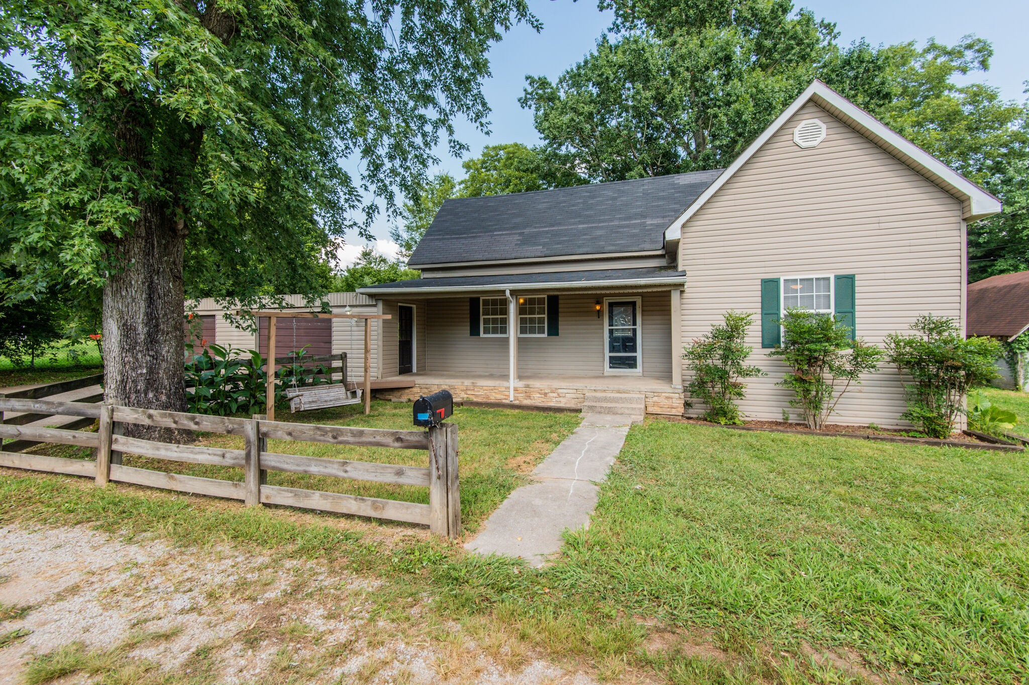 226 Higdon St Property Photo - Lynnville, TN real estate listing