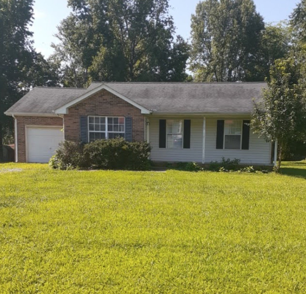 2960 Mike Ct Property Photo - Woodlawn, TN real estate listing