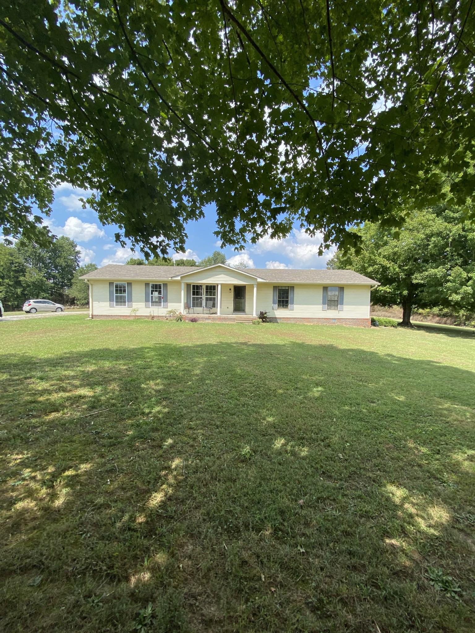 221 Riddle Ln Property Photo - Loretto, TN real estate listing