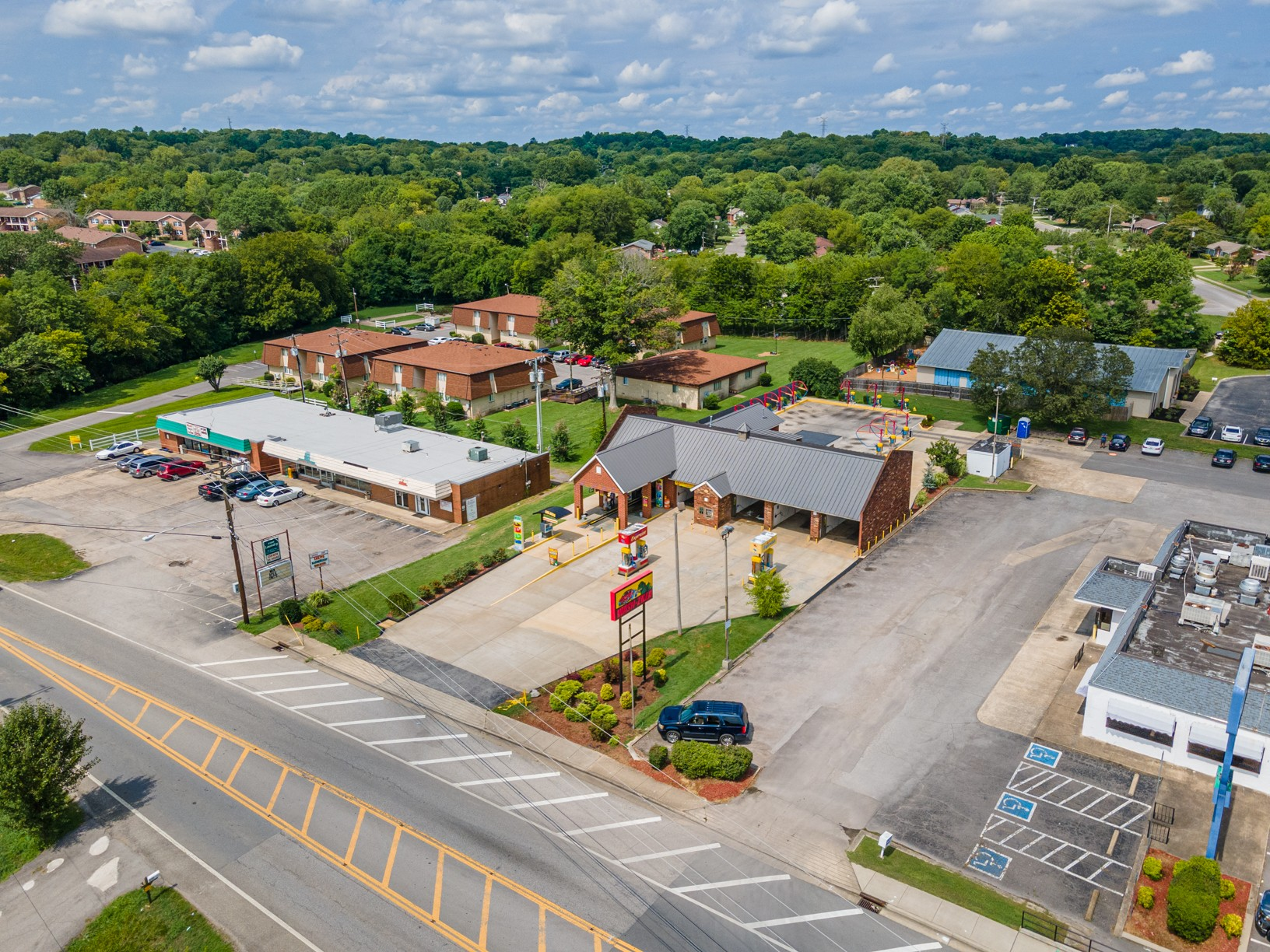 271 New Shackle Island Rd Property Photo - Hendersonville, TN real estate listing