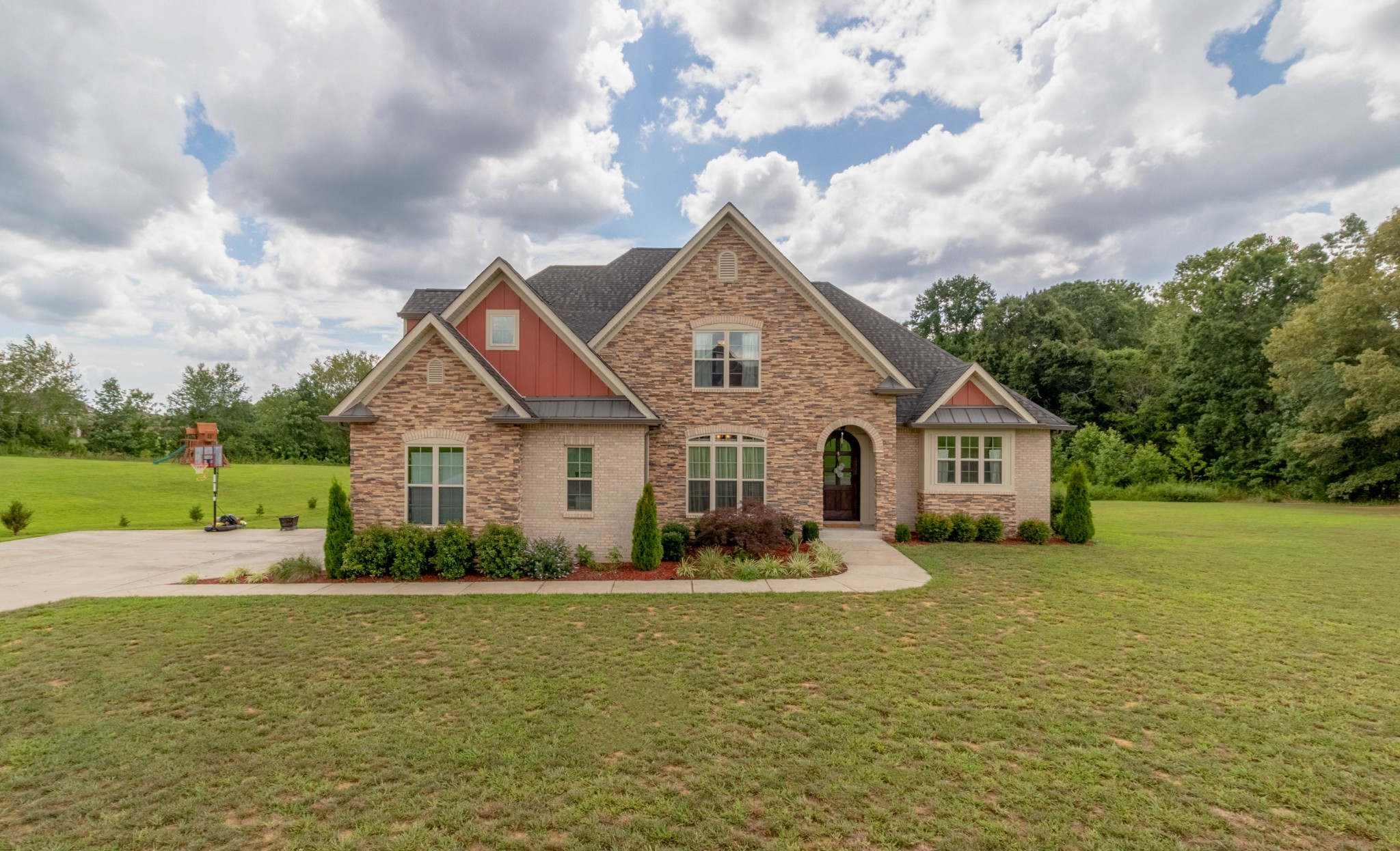 1004 Felts Dr Property Photo - Clarksville, TN real estate listing