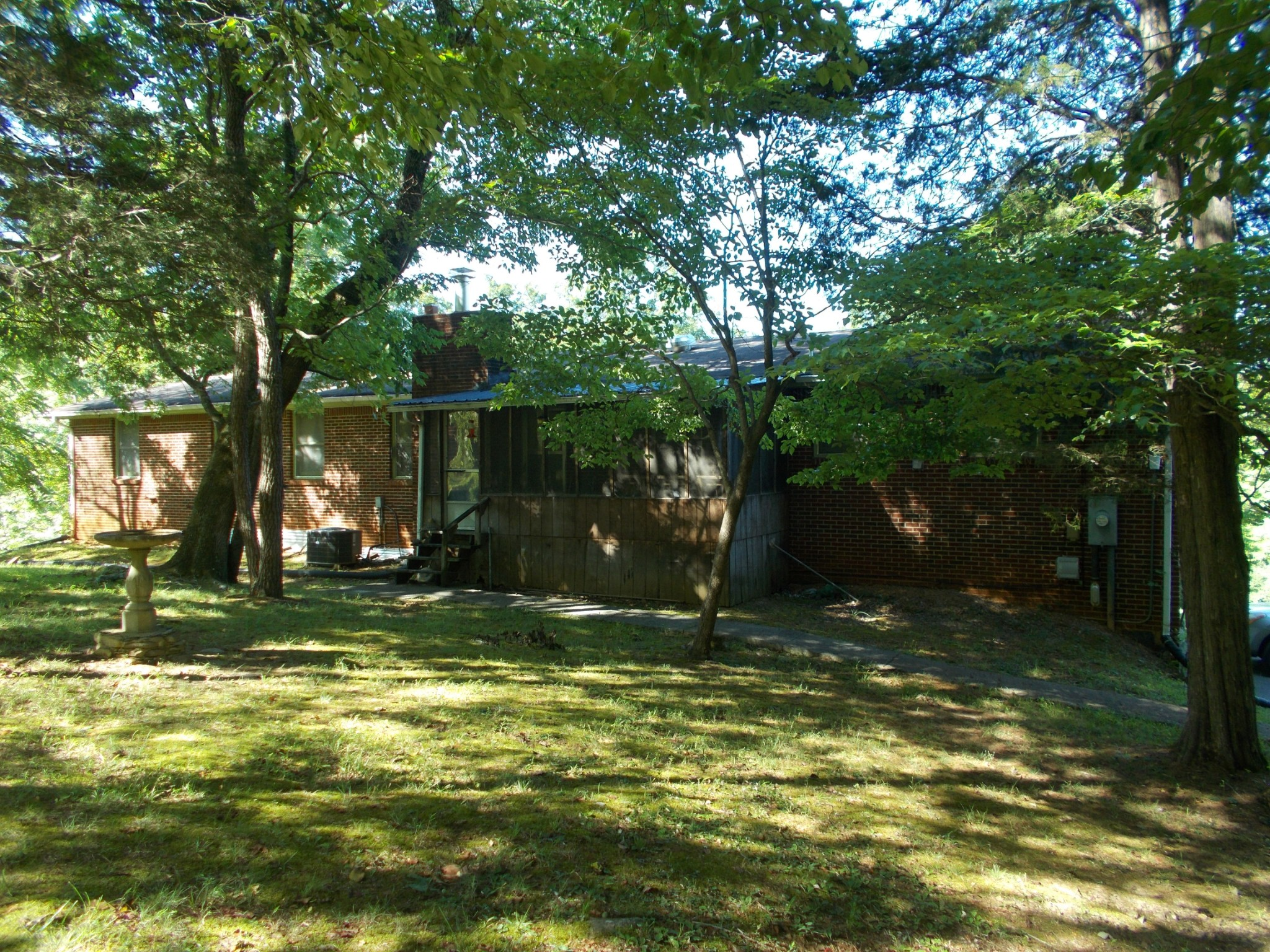 1790 Buck Hollow Rd Property Photo - Chapmansboro, TN real estate listing