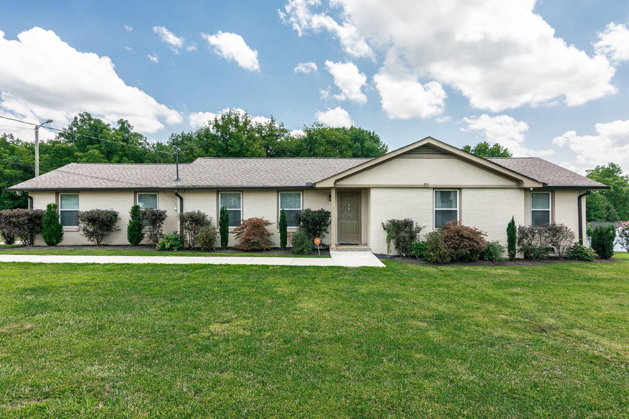 2105 Paula Dr Property Photo - Madison, TN real estate listing
