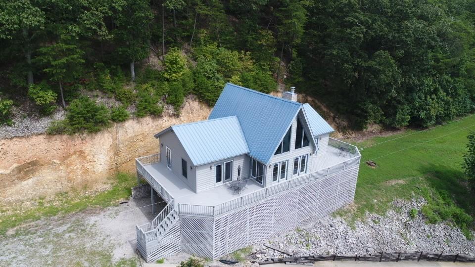 8033 Turkey Creek Rd Property Photo - Waverly, TN real estate listing