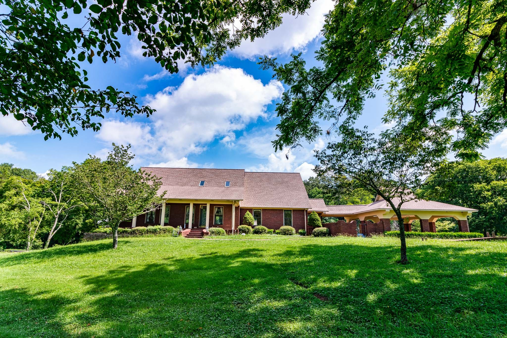 610 Spring Ave Property Photo - Lawrenceburg, TN real estate listing