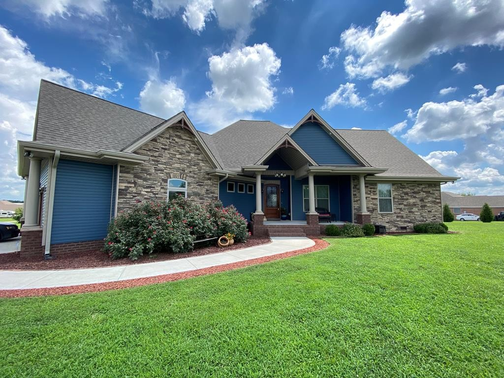 42266 Real Estate Listings Main Image