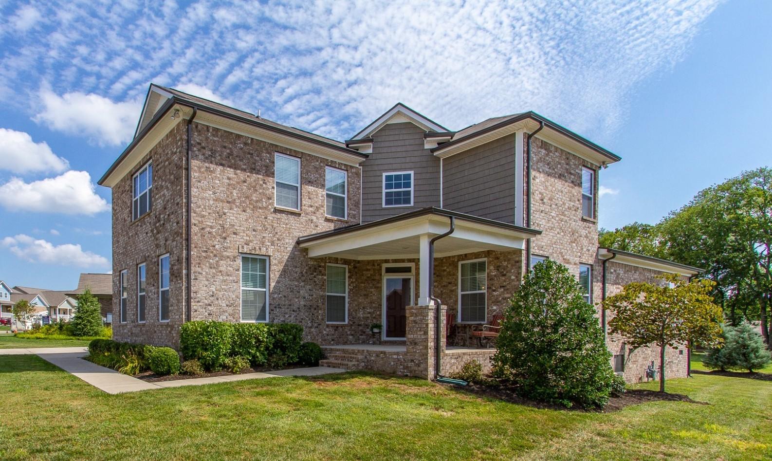 903 Green Meadow Ln Property Photo