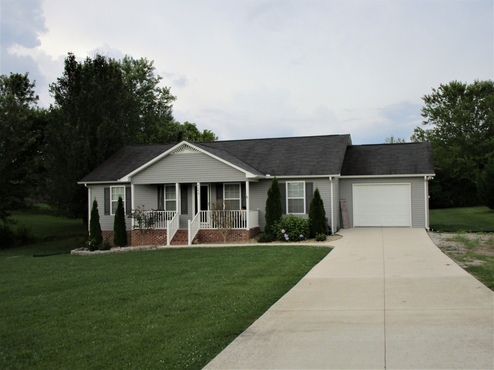 4543 Ewing Dr Property Photo - Baxter, TN real estate listing