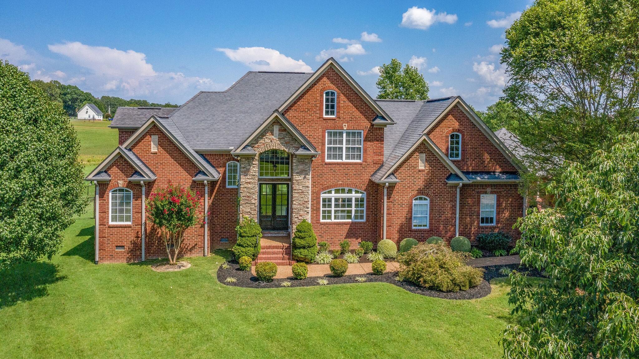 1089 Jump Off Rd Property Photo - Bon Aqua, TN real estate listing