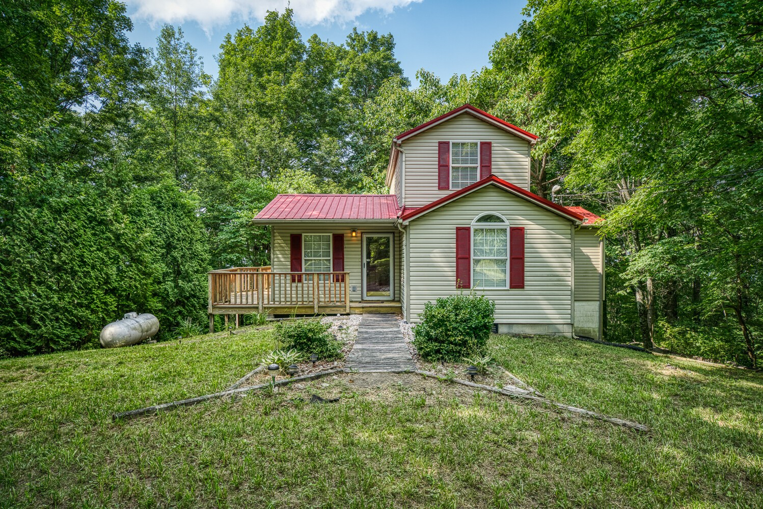 399 Angley Overlook Dr Property Photo - Jamestown, TN real estate listing