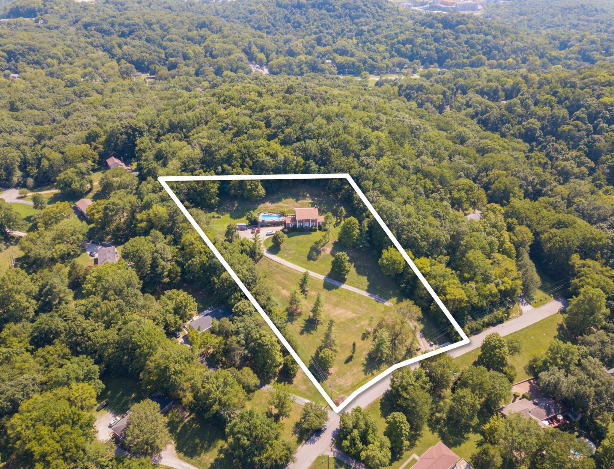 235 Foxboro Dr Property Photo - Madison, TN real estate listing