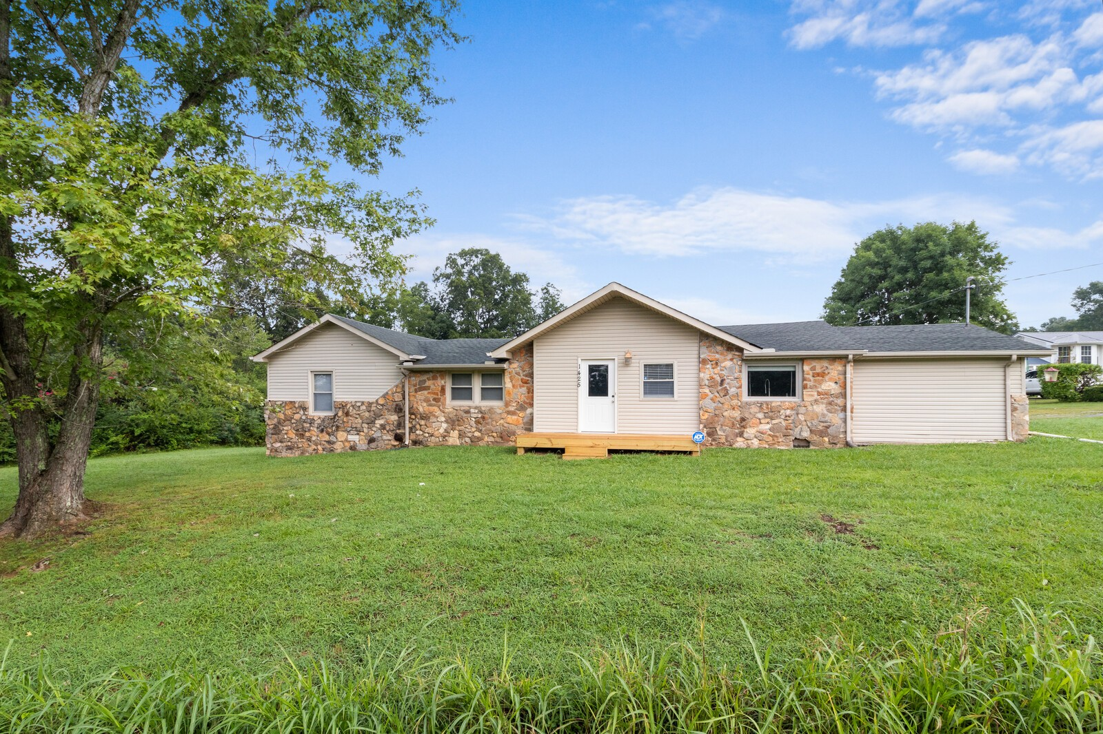 1425 Grays Chapel Rd Property Photo - Southside, TN real estate listing