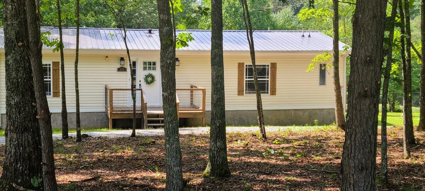409 Pickett Lake Rd Property Photo - Coalmont, TN real estate listing