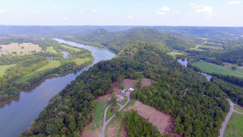 818 Whites Bend Ln Property Photo - Gainesboro, TN real estate listing
