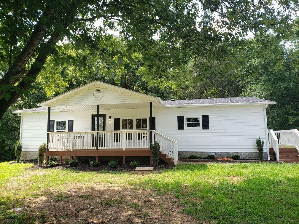 1008 Hopewood Ln Property Photo - Chapmansboro, TN real estate listing
