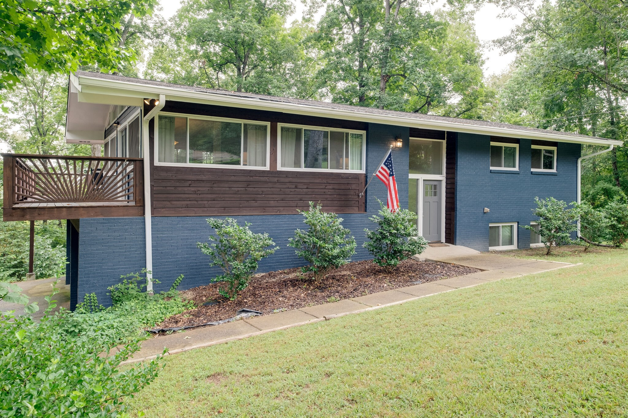 240 Harpeth Hills Dr Property Photo - Kingston Springs, TN real estate listing