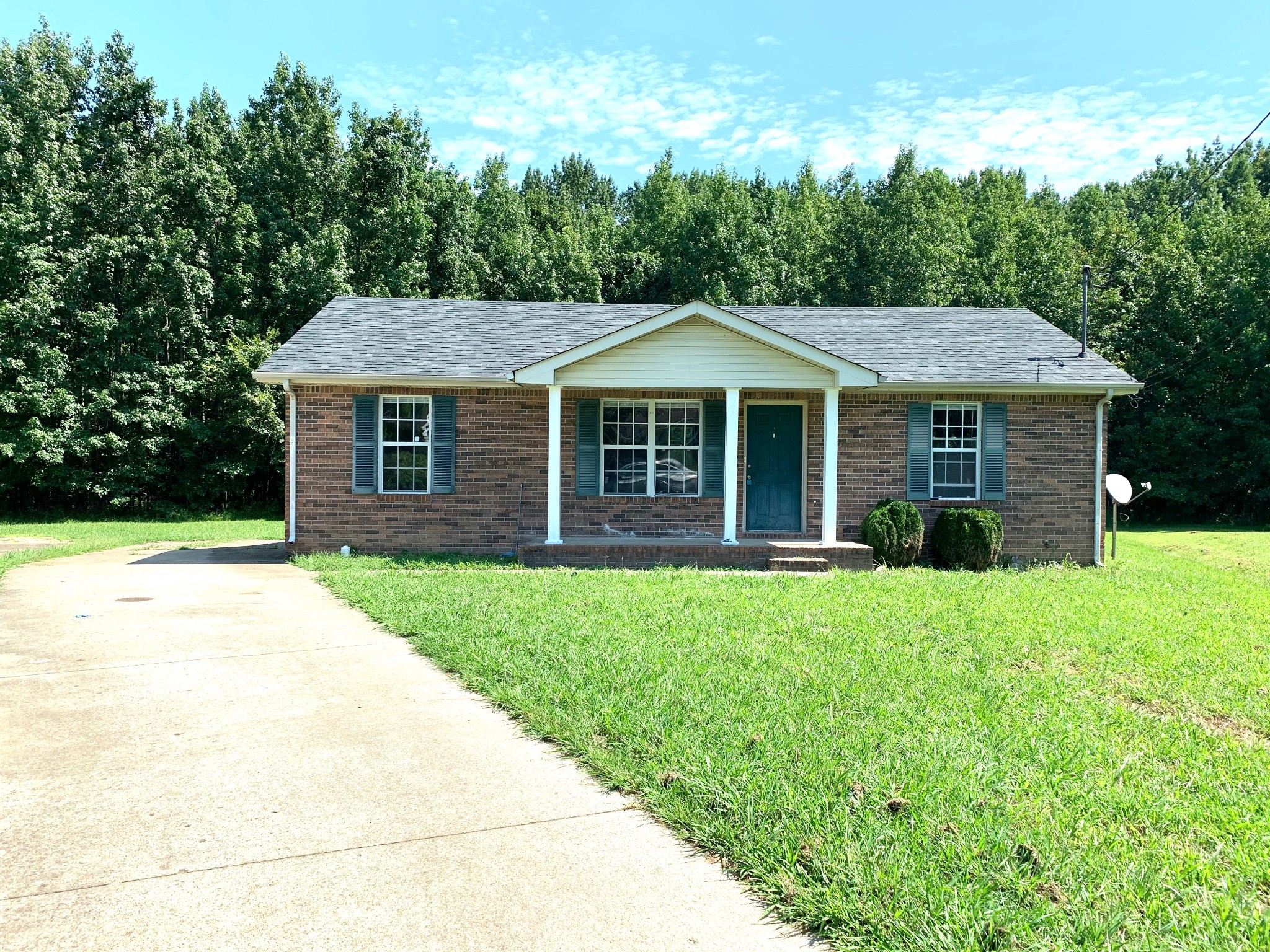 740 Carmack Ct Property Photo - Clarksville, TN real estate listing
