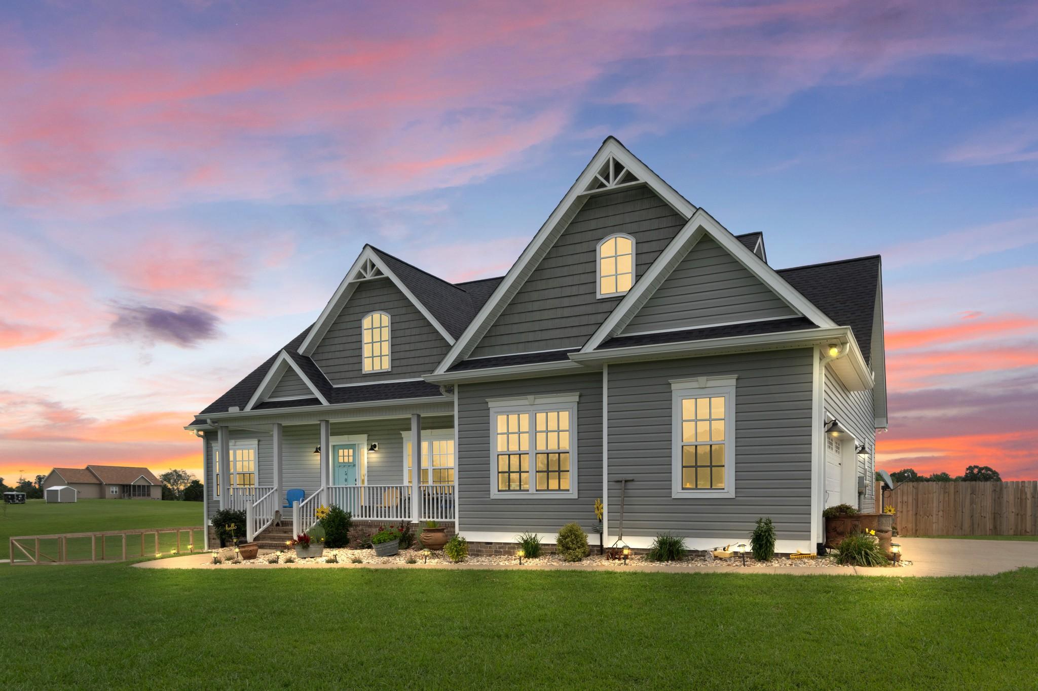 507 N Davidson Rd Property Photo - Bon Aqua, TN real estate listing