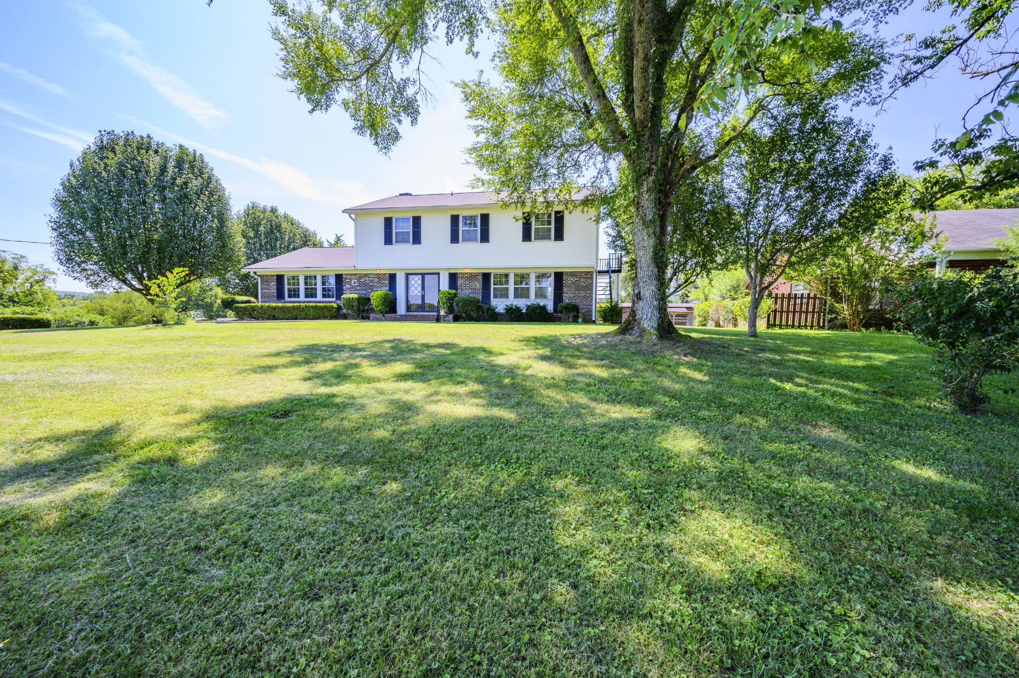 113 E Colonial St Property Photo - Woodbury, TN real estate listing