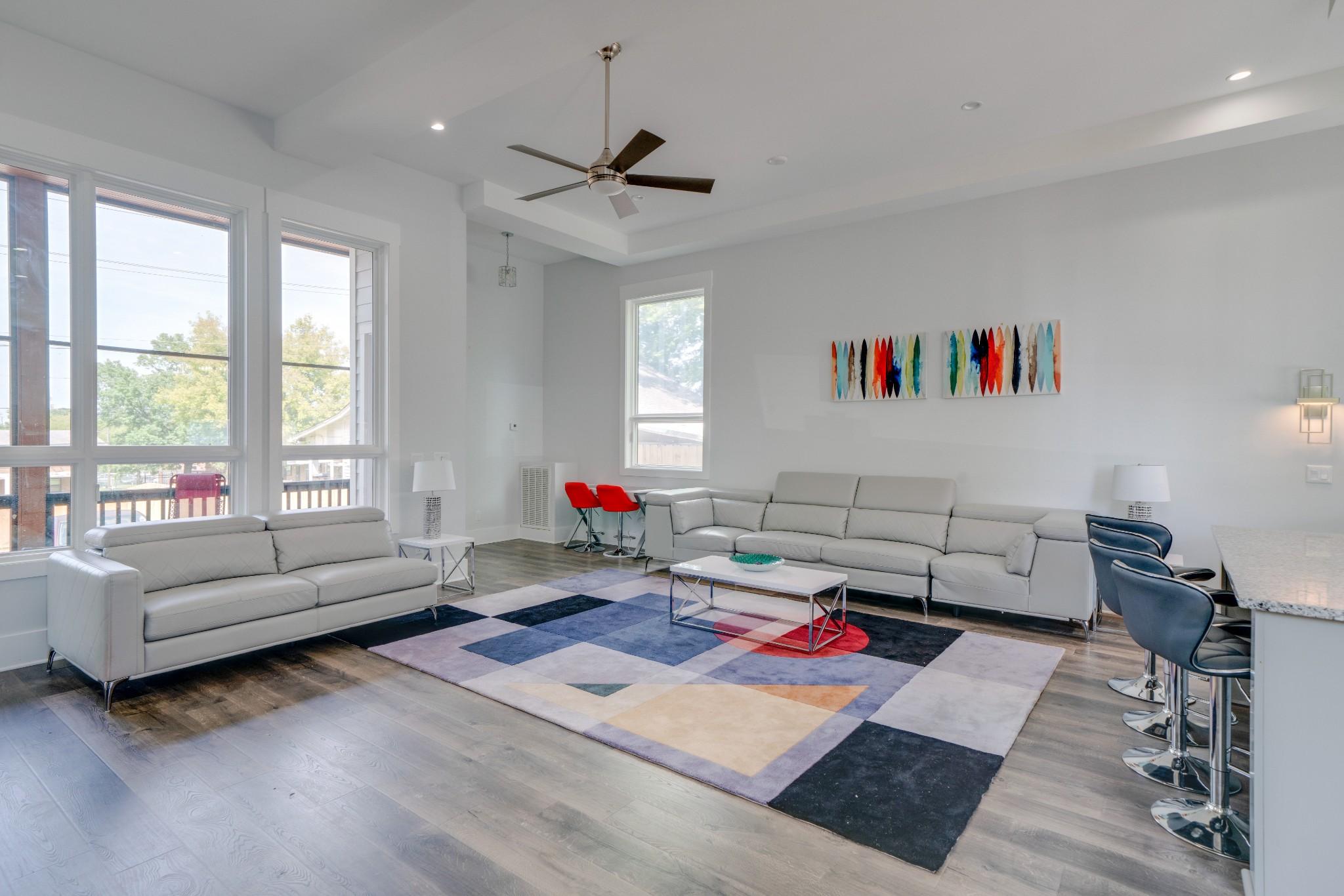 1015 Summit Avenue Property Photo