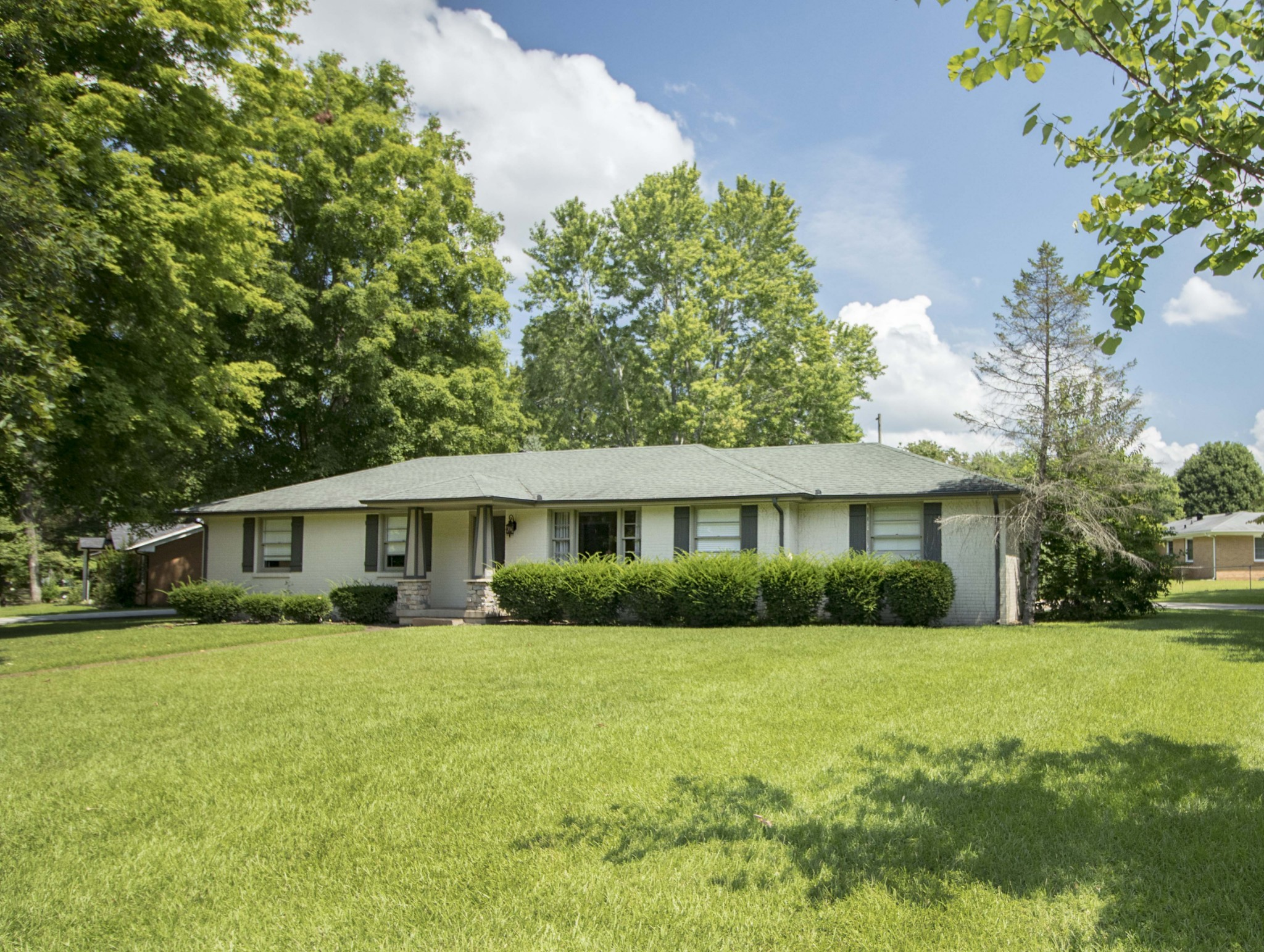 2074 Landon Road Property Photo - Clarksville, TN real estate listing