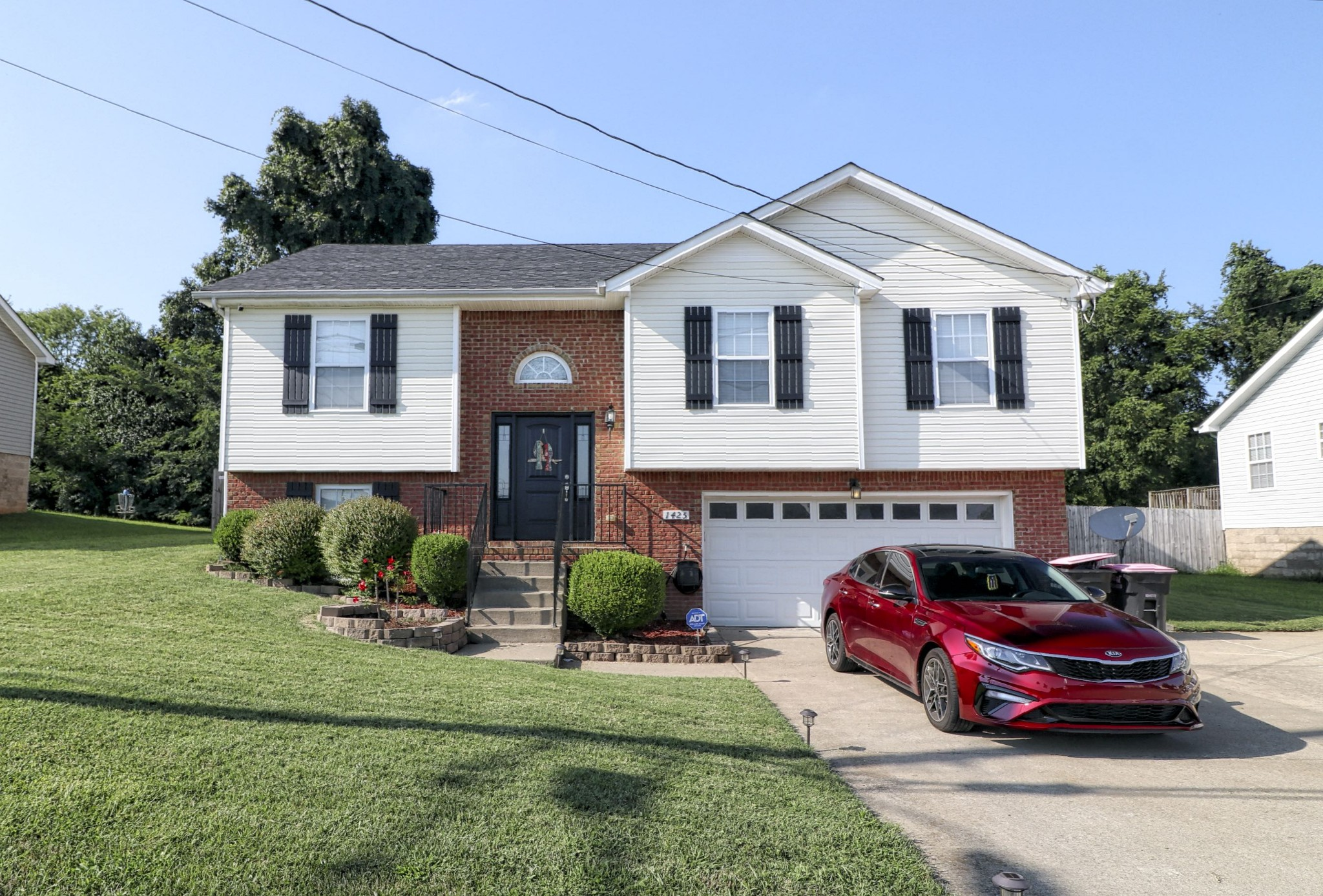 1425 Addison Drive Property Photo - Clarksville, TN real estate listing