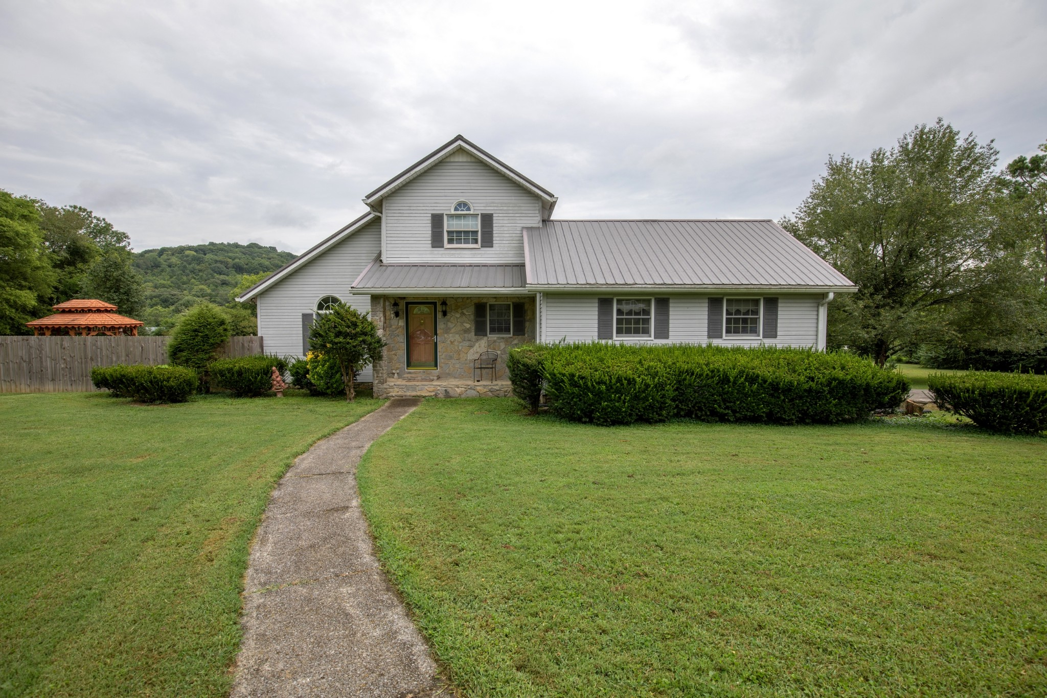 3554 Hwy 31E Property Photo - Bethpage, TN real estate listing