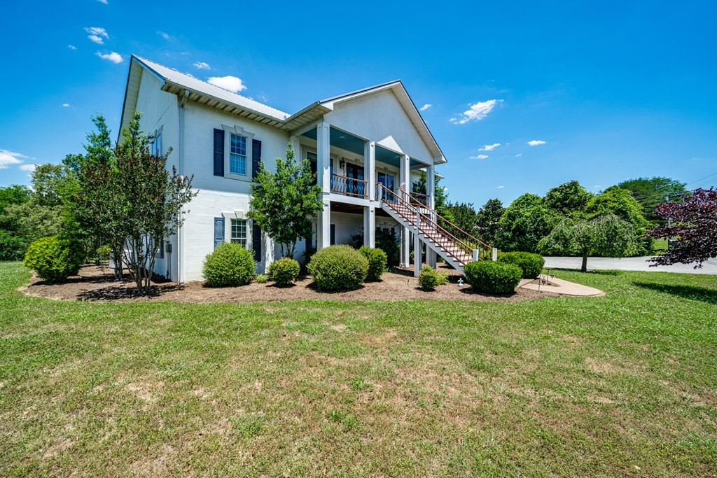 77 River Front Dr Property Photo - Sparta, TN real estate listing