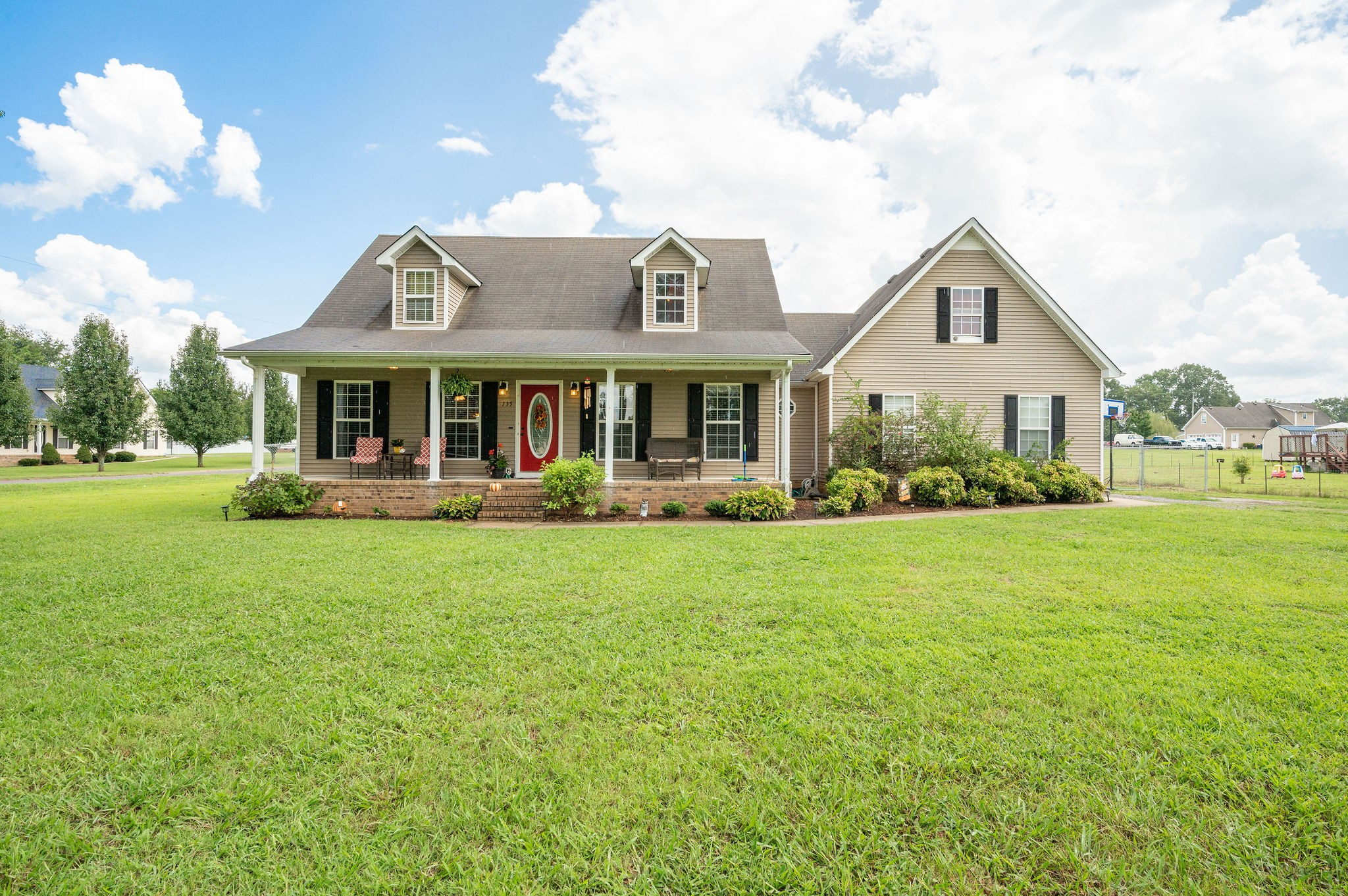 135 Broomsage Cir Property Photo - Unionville, TN real estate listing