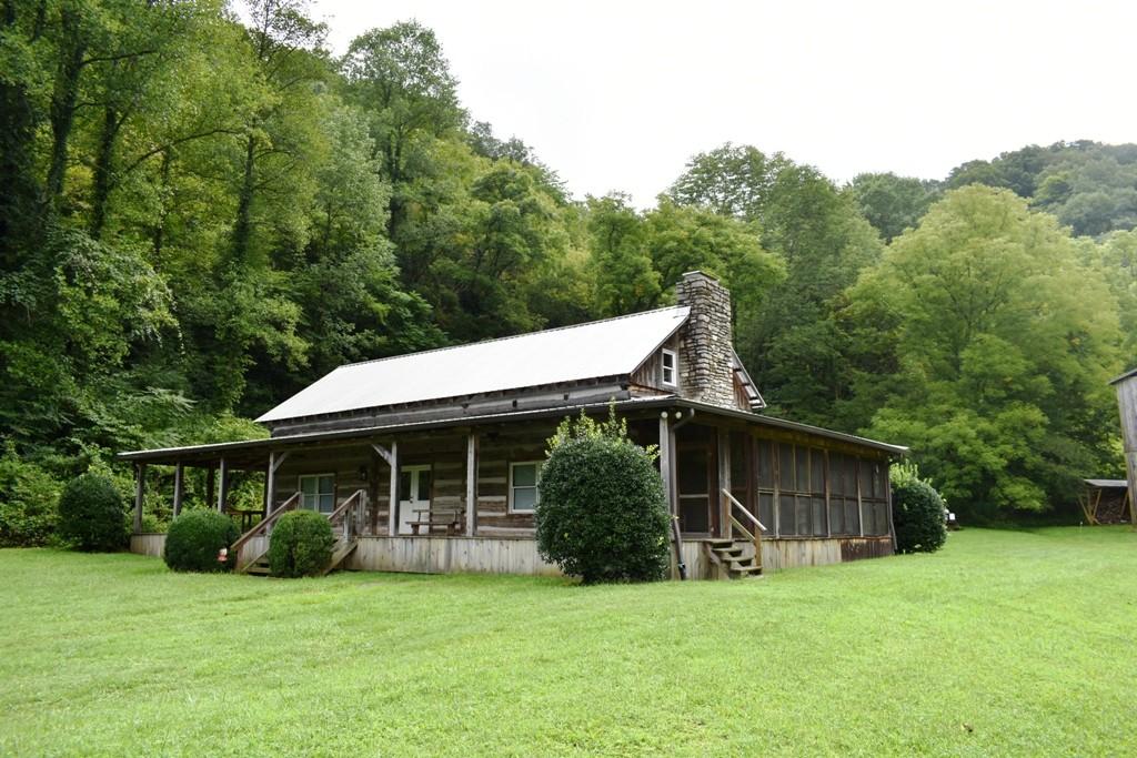107 Toney Hollow Ln Property Photo - Pleasant Shade, TN real estate listing