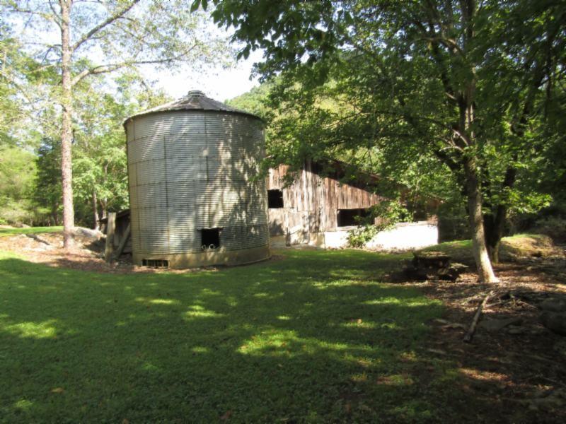 673 Gladdice Hwy Property Photo - Gainesboro, TN real estate listing
