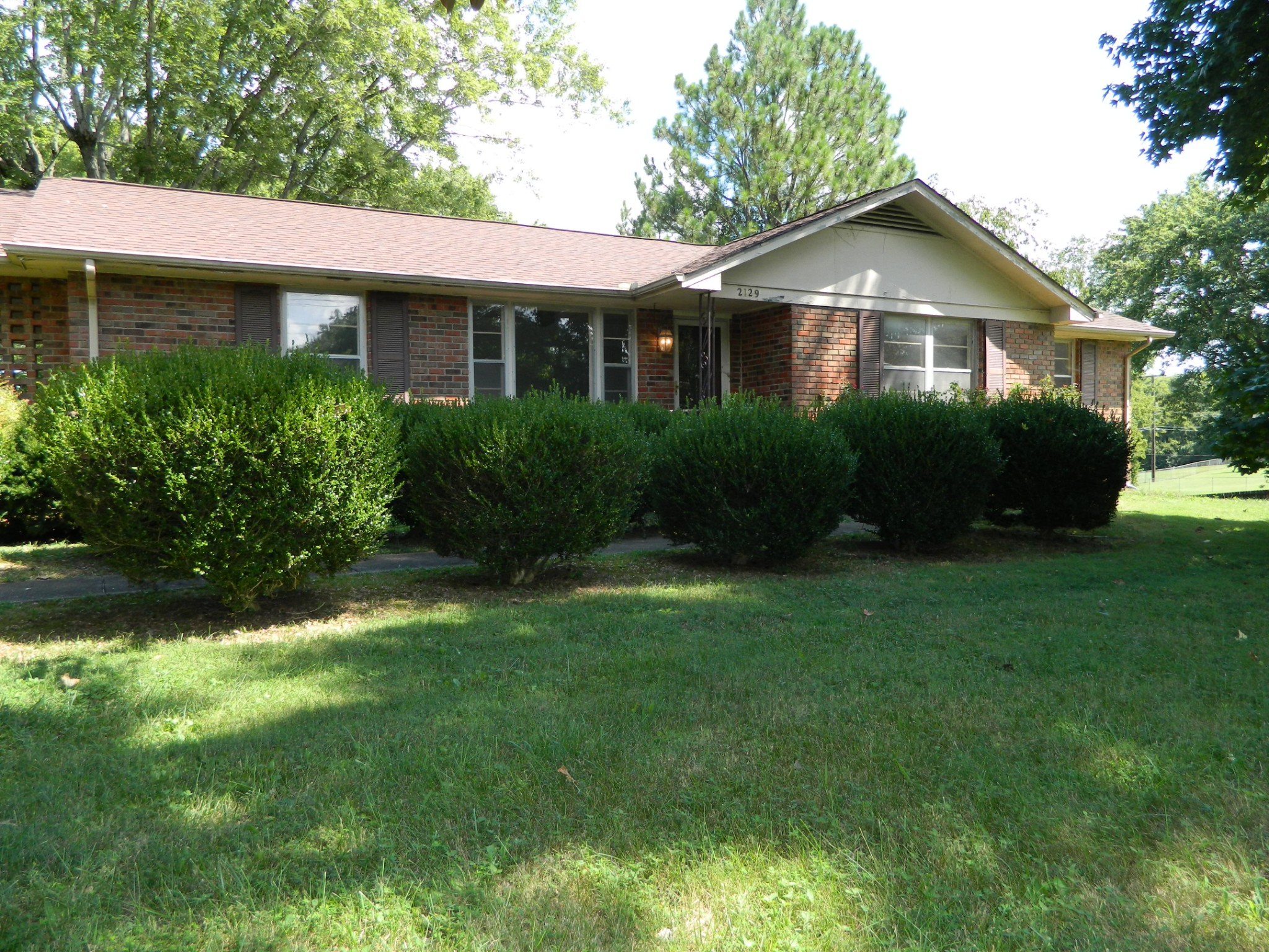 2129 Memorial Drive Property Photo - Clarksville, TN real estate listing