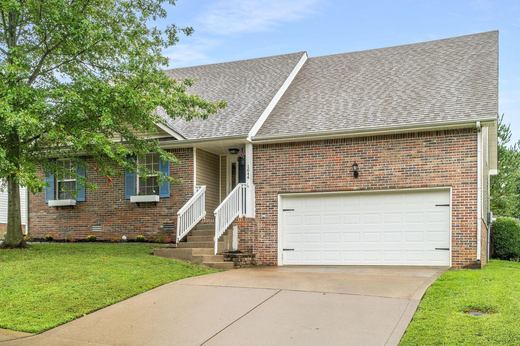 1644 Cedar Springs Circle Property Photo - Clarksville, TN real estate listing