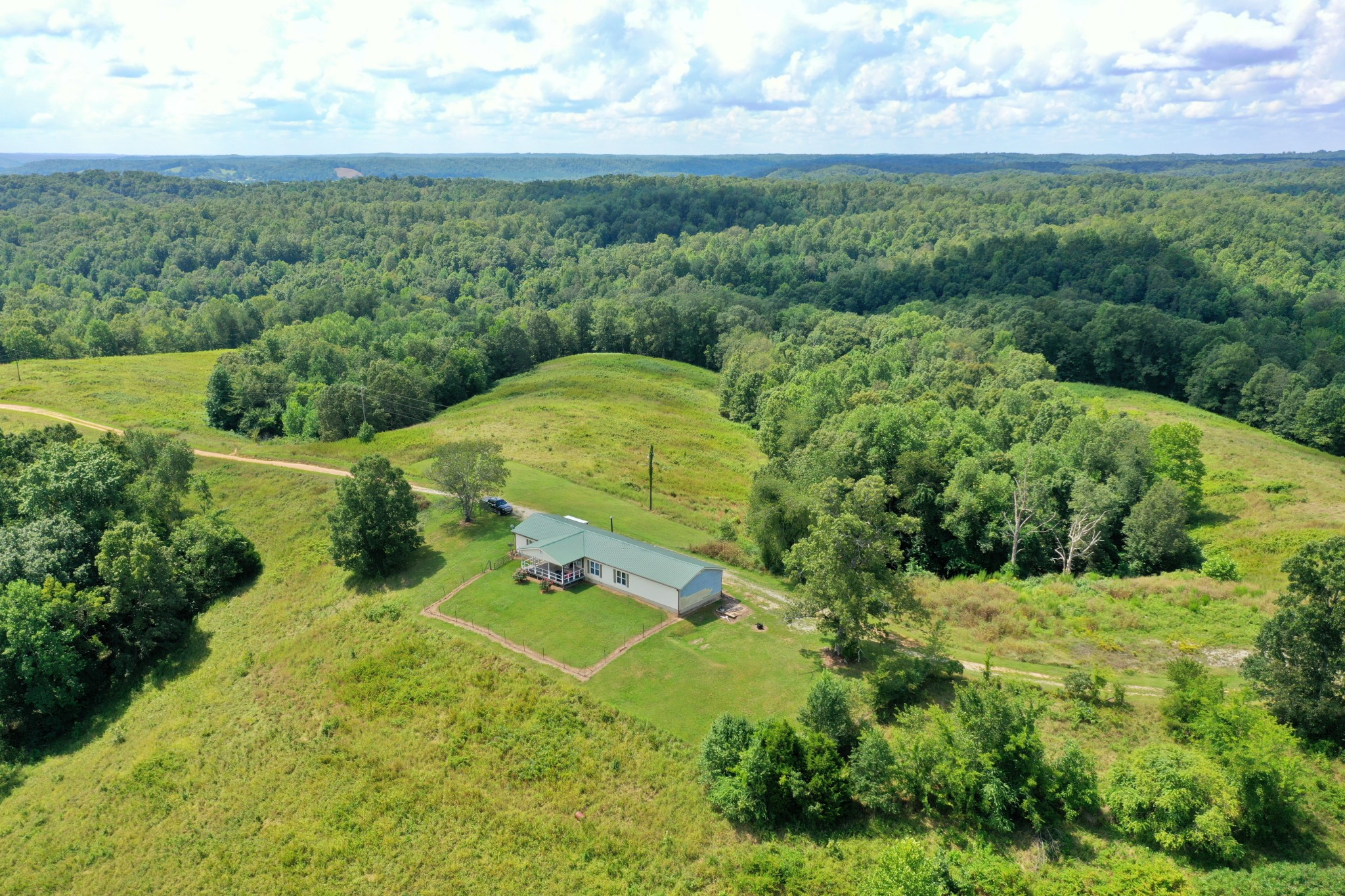376 Tenth Ave Property Photo - Lobelville, TN real estate listing