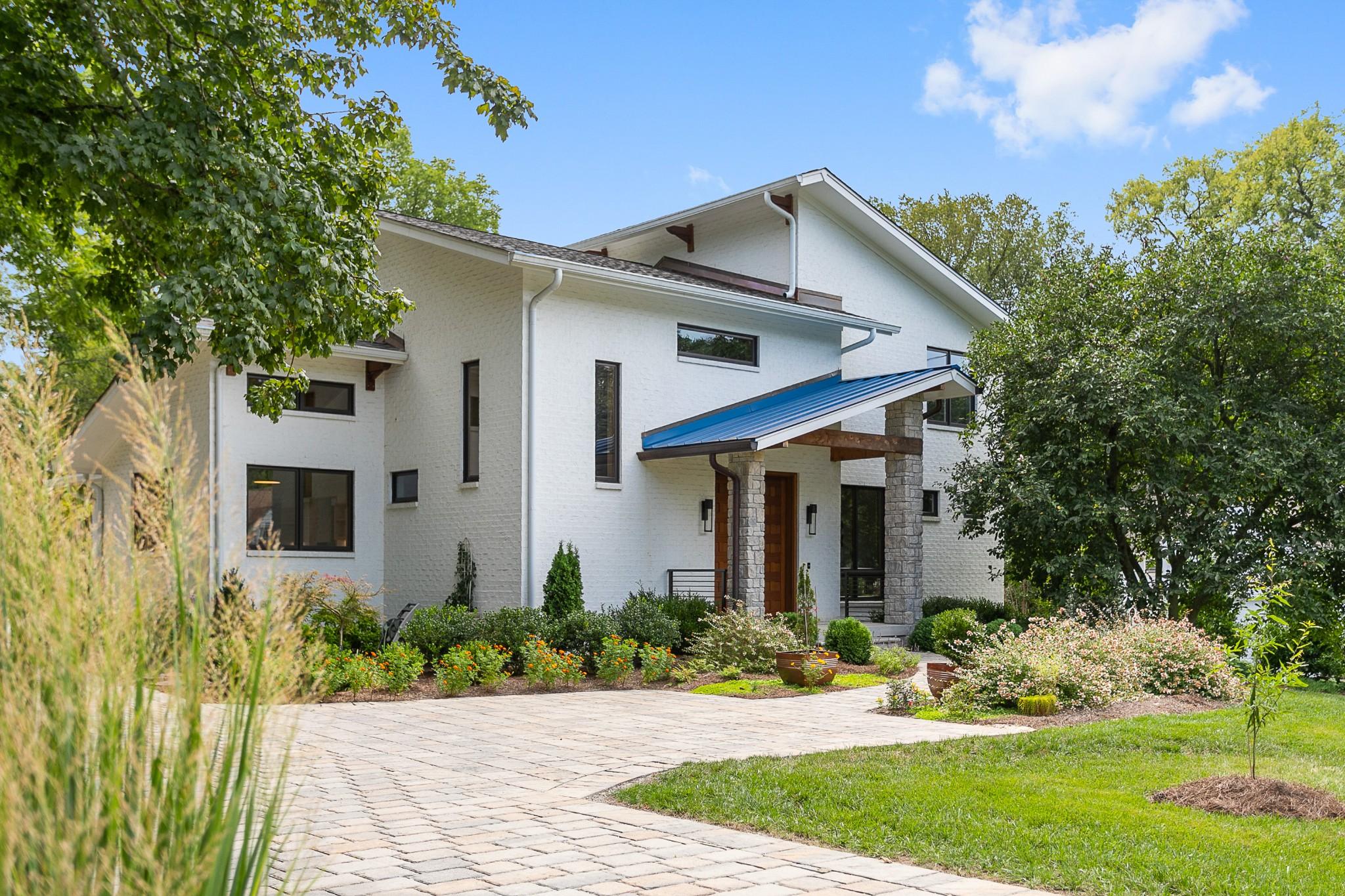 2907 Woodlawn Property Photo