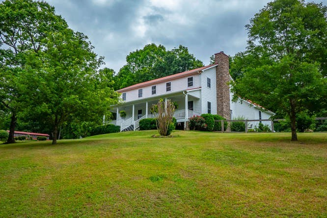 720 Mount Hebron Rd Property Photo - Charlotte, TN real estate listing