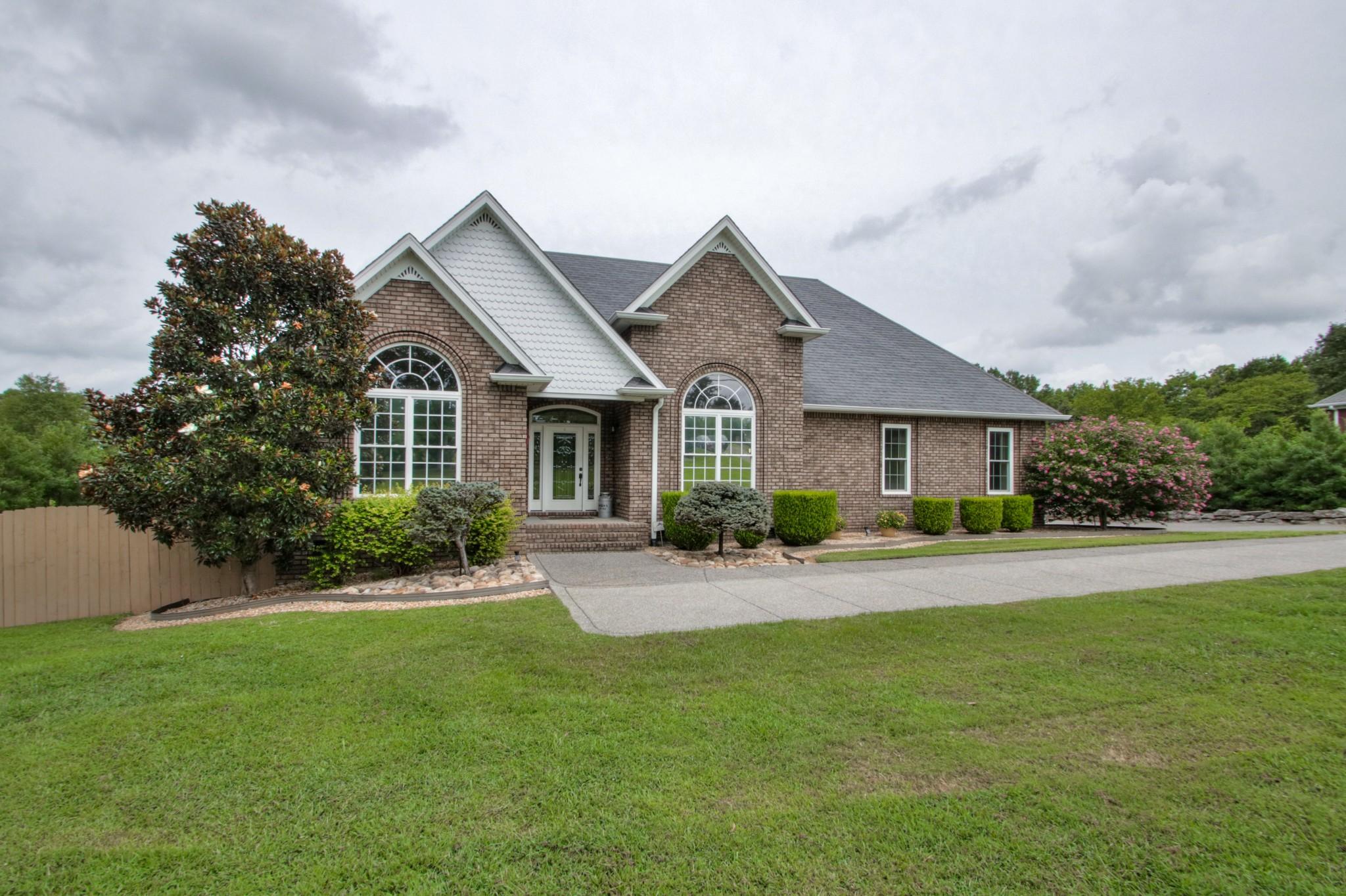 2627 Hartsville Pike Property Photo - Castalian Springs, TN real estate listing