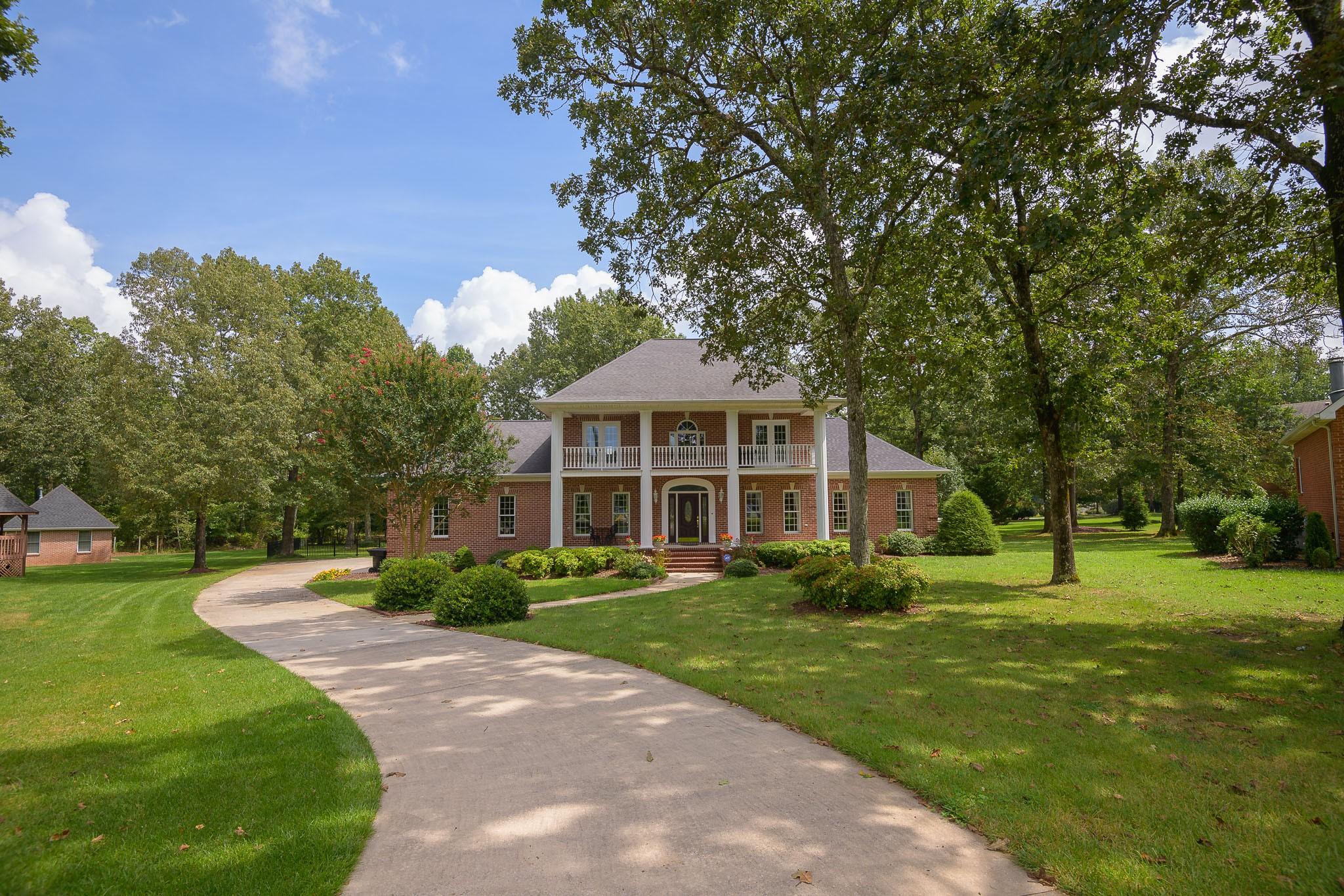 108 Amherst Drive Property Photo