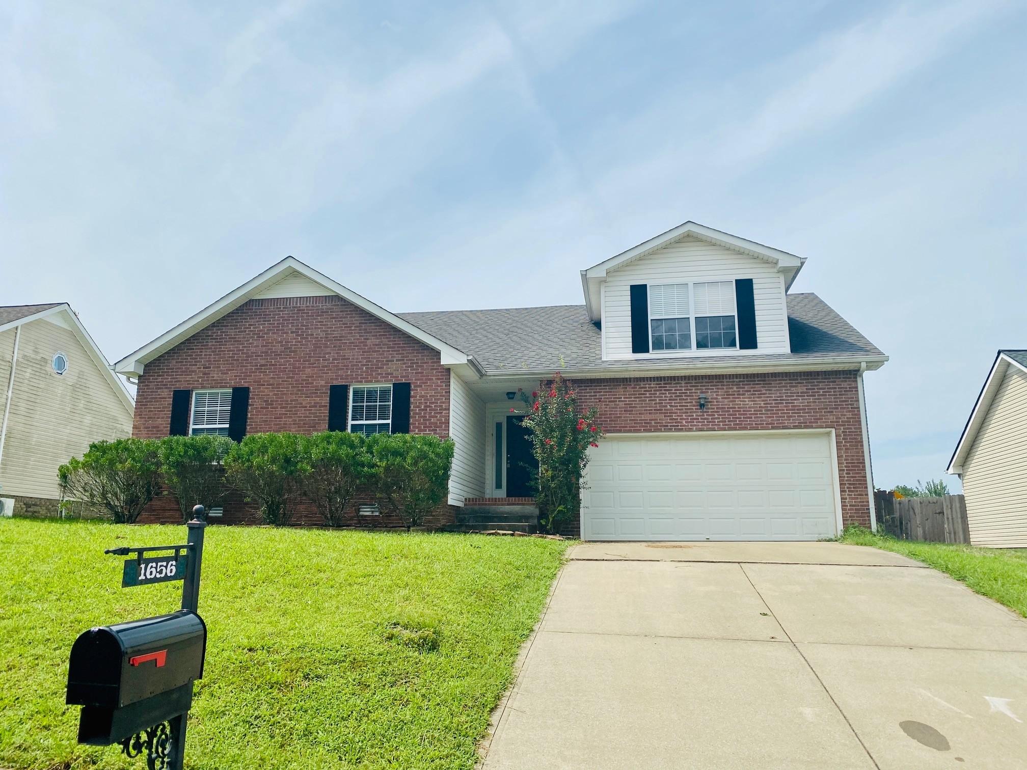 1656 Cedar Springs Cir Property Photo - Clarksville, TN real estate listing