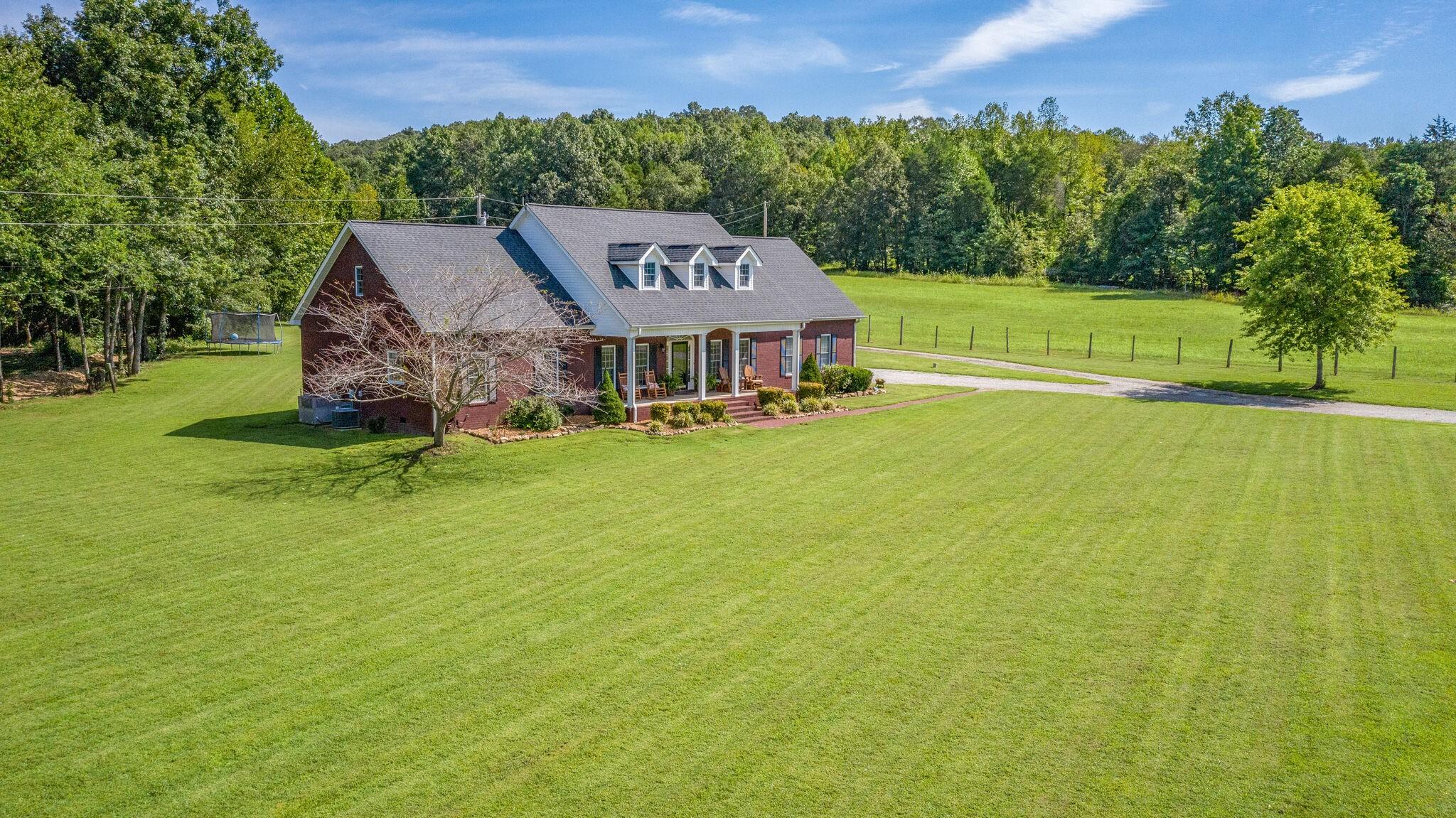 5151 East Blue Creek Road Property Photo - MC EWEN, TN real estate listing