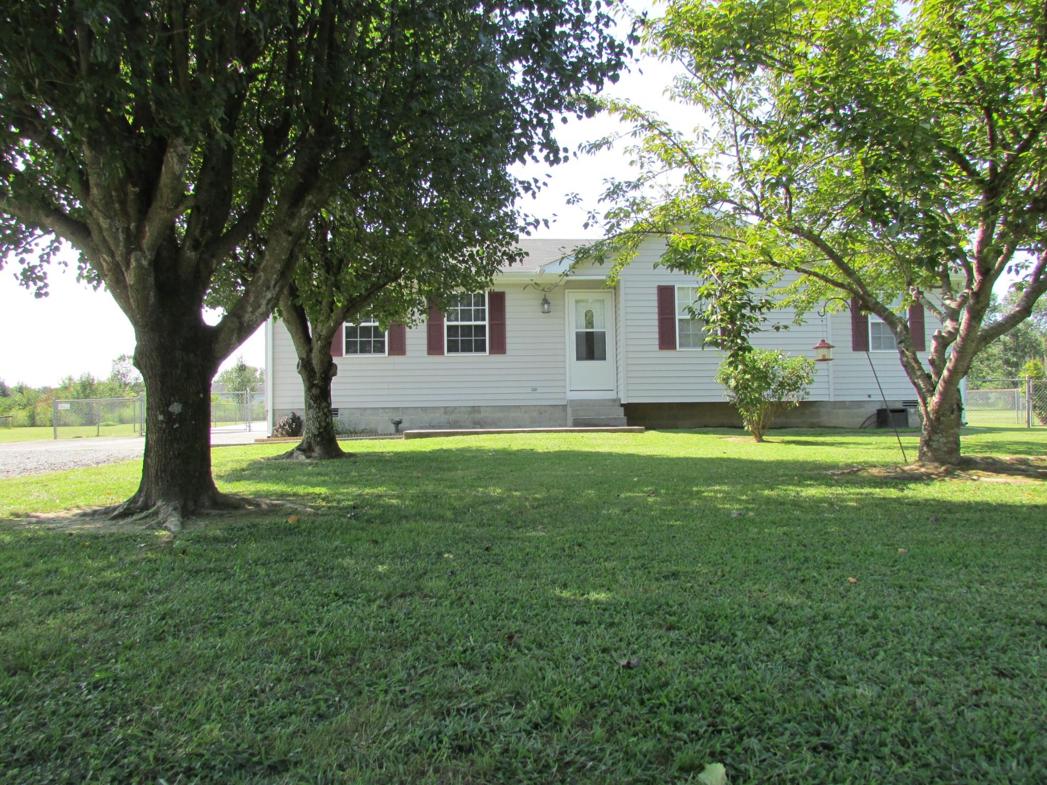141 N E St Property Photo - Hillsboro, TN real estate listing